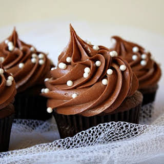 Chocolate Buttercream Frosting Without Confectioners Sugar Recipes.