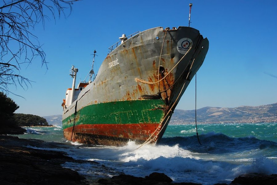 Stranded by Dijana Zekan - Uncategorized All Uncategorized ( stranded )