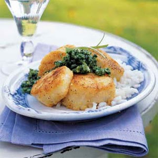 Cornmeal-Crusted Scallops with Mint Chimichurri