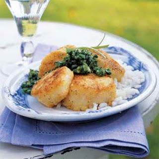 Cornmeal-Crusted Scallops with Mint Chimichurri