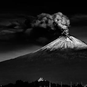 smoking volcano by Cristobal Garciaferro Rubio - Black & White Landscapes ( volcano, popo, mexico, popocatepetl, smoking volcano )