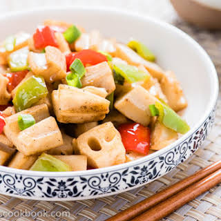 Stir Fried Lotus Root with Pepper.