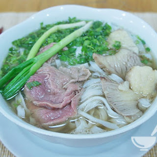 Ingredients of Vietnamese beef noodle soup recipe (Phở bò)