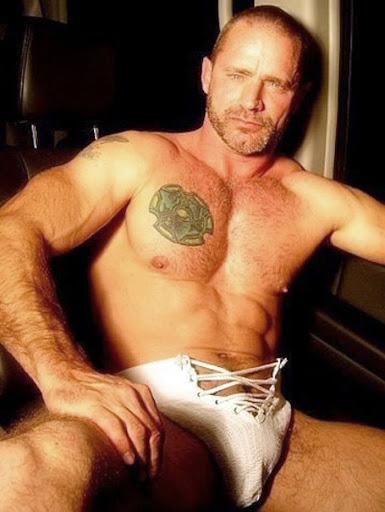 Gay Muscular Gallery 58