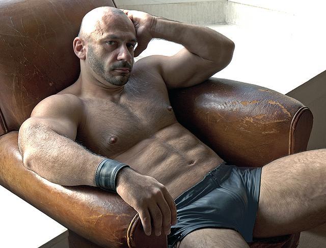 Gay Muscular Gallery 99