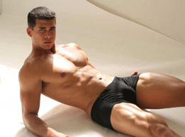 Hot Muscle Men in Underwear - What Color is Beautiful? Gallery 5