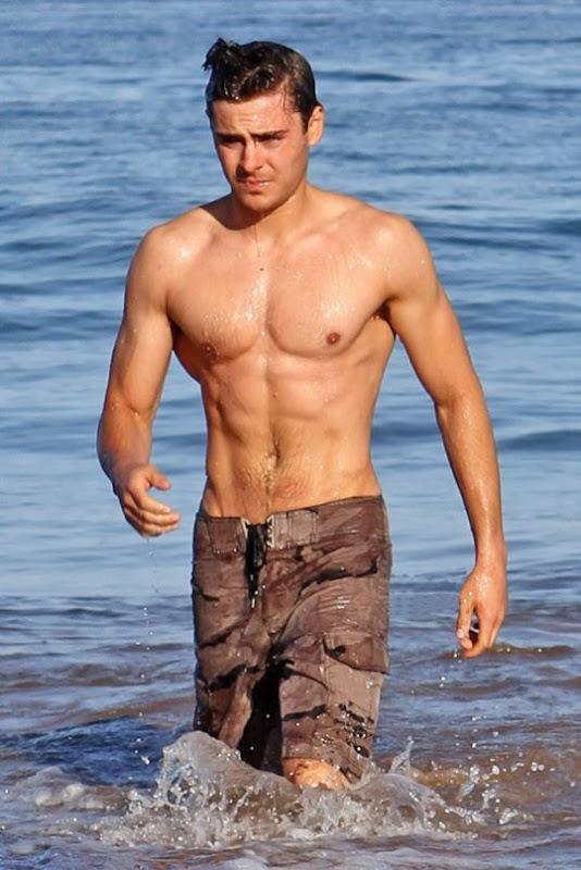 Zac Efron hace ejercicio sin camiseta - Famosos y Corazón