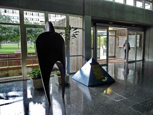 érase una vez Niels H. Abel y Evariste Galois: Escuela Técnica Superior de Arquitectura de A Coruña