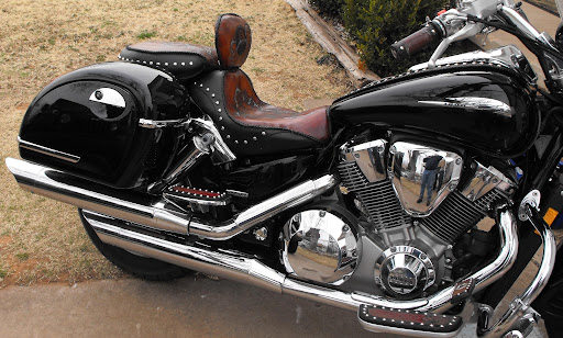 Buy a Pair of Hard Saddlebags for Having an Uninterrupted