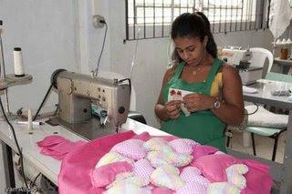 Projeto Recria: costureira