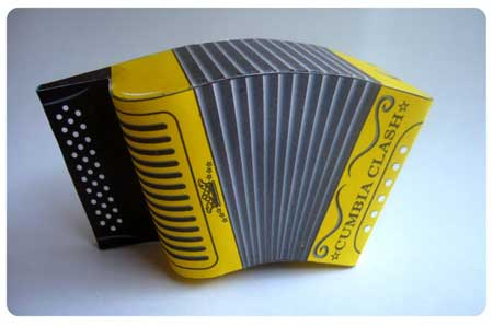 Accordion Papercraft- Cumbia Clash