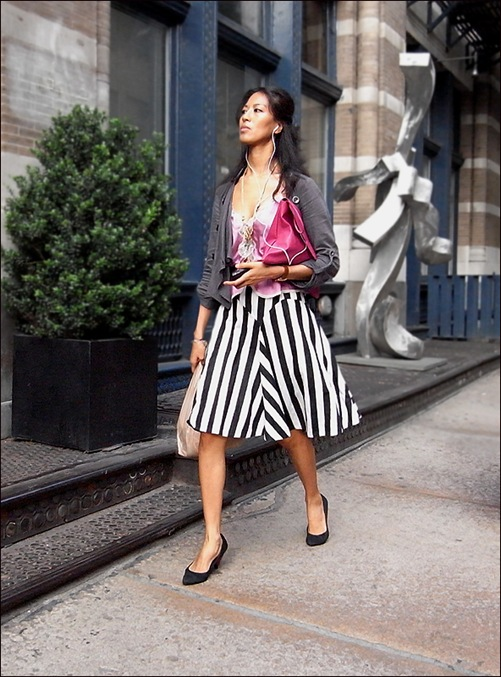 w black and white vert stripe long skirt pink top