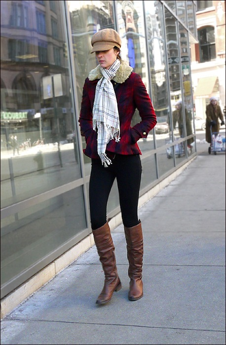 w red plaid jacket black leggings knee high brown boots