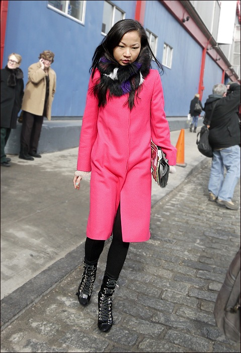 w long hot pink coat fur scarf lace up blackhigh top  shoes 2