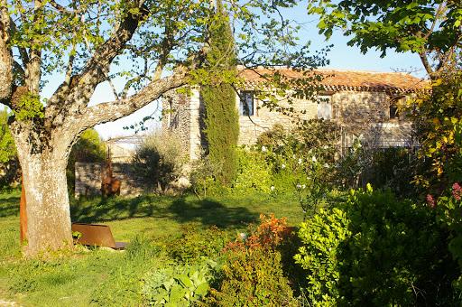 Gîte des Hautes-Courennes, avril 2005. Photo : J.-M. Gayman