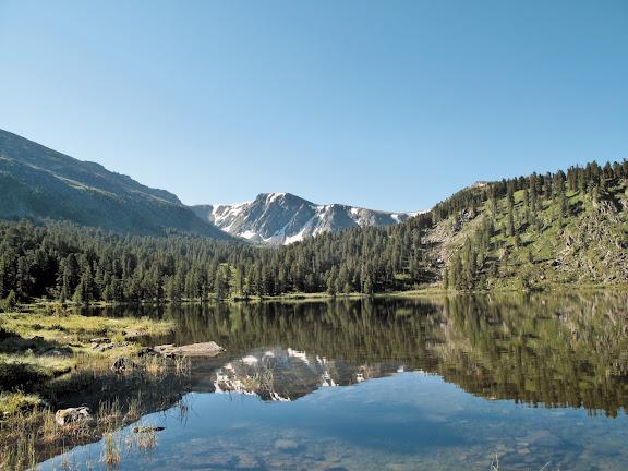 L'un des lacs de Karakol (alt. 1650 m). 5 juillet 2010. Photo : J. Marquet