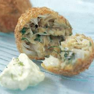 Crab Cakes With Lime Mayonnaise