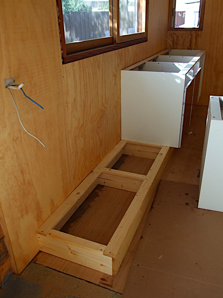 Etonnant Kick Board Made On Site, With Flatpack Kitchen Units And Draws Fitted On Top