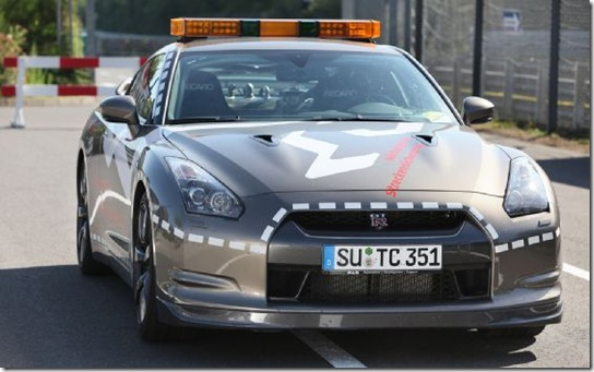 2010-nissan-gt-r-nurburgring-emergency