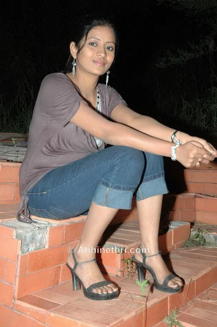 tollywood actresses galleries and wallpapers<br />