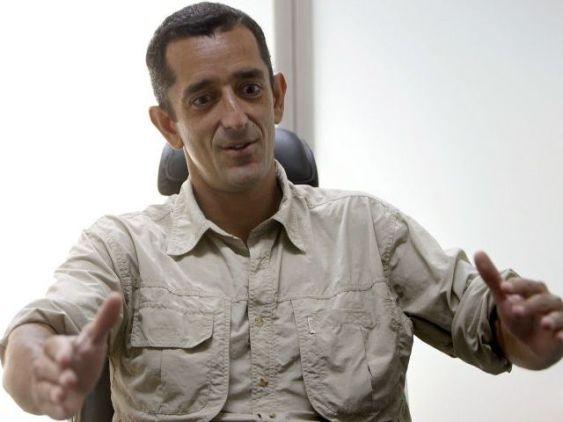 51771d203e87a Vaya Personaje es el Dr. Pedro Cavadas « MEDICINA CUANTICA