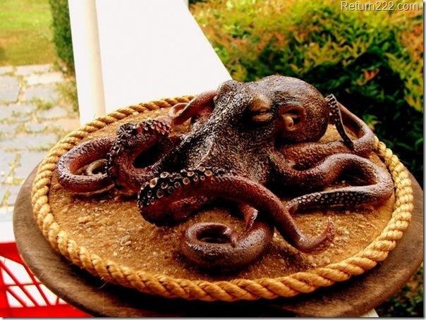 sculpted_octopus_outside_by_woodsplitterlee-d3bnr0k