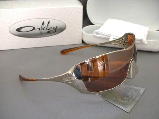 Óculos Oakley Dart – Um sucesso entre as mulheres   ÓCULOS OAKLEY 22d0cd9dc8