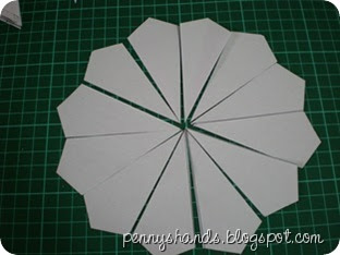 Penny 39 s hands english paper piecing dresden plate for How to make a dresden plate template
