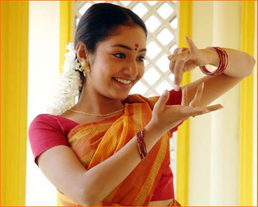 Actress Maya Unni Picture