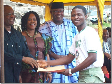 Jide Ogunsanya Receiving Anambra State Award