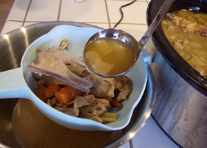 How to make Turkey Stock in Crock Pot - Turkey Leftovers