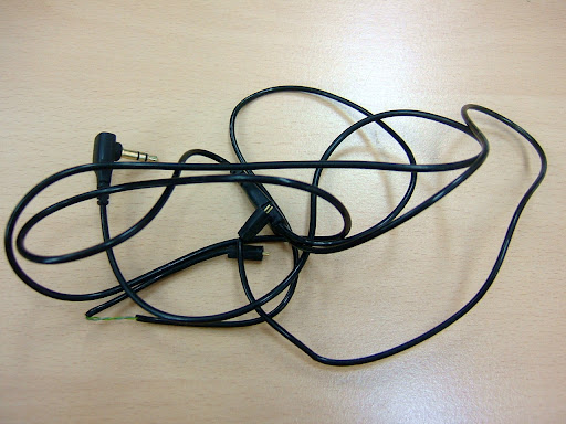 기본 케이블 - 울티메이트 이어 트리플파이 10프로 (Ultimate Ears Triple.fi 10 pro)[트파,트리플파이,10 pro,울티메이트 이어,이어폰,리시버,고급형,보급형,음질좋은 이어폰,기본케이블]