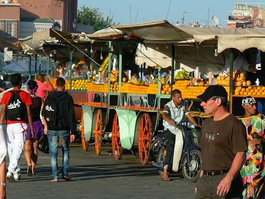 Obiective turistice Maroc: Jema el-Fnaa Marrakech - sucuri.JPG