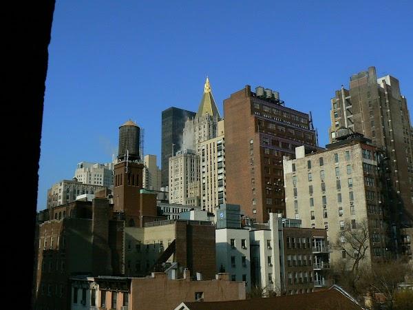 Imagini SUA: Hotel Ramada Inn Manhattan New York ce se vede de la geam.JPG