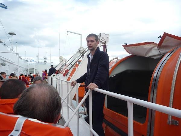 Imagini Argentina: barcile de salvare gata de lansare pentru Antarctica