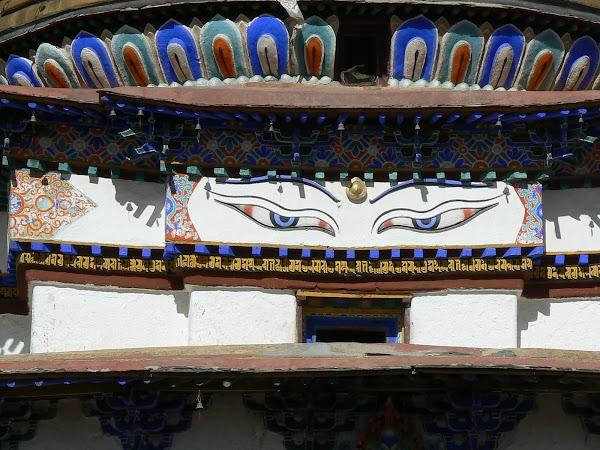 Obiective turistice Tibet: ochii lui Buddha, Gyantse
