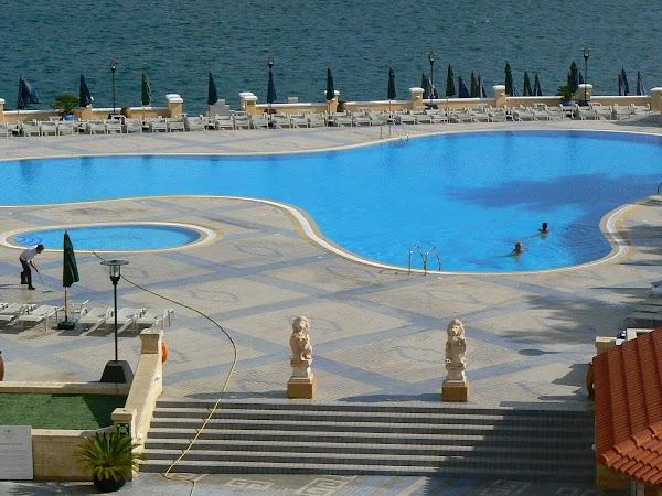 9. piscina hotel Excelsior.JPG