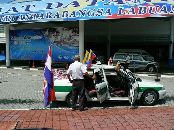 Atractii Malaezia: un taxi patriot in Pulau Labuan