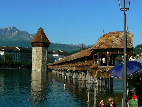 Obiective turistice Elvetia: Podul vechi Lucerna.JPG