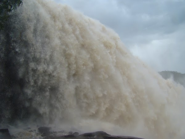 Obiective turistice Venezuela: Sapo Falls.JPG
