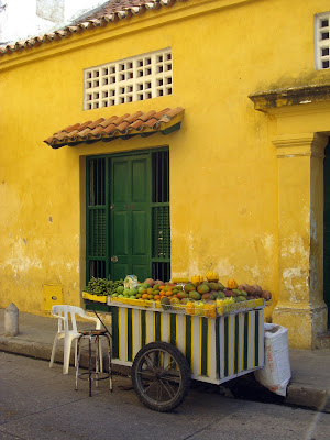 Yellow building in Cartagena old town