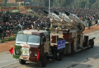 20110312-Akash-Surface-to-Air-Missile-Wallpaper-India-01-TN