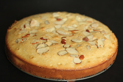 photo of an Almond tea cake