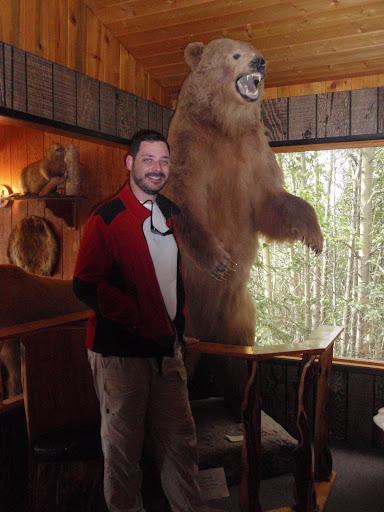 Eu e um urso pardo!