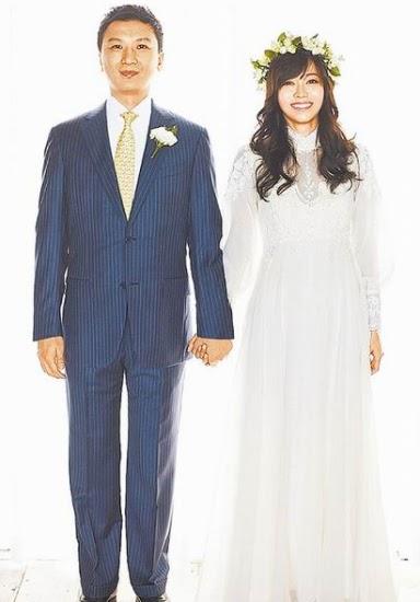 侯佩岑和黄伯俊拍下复古典雅的恩爱合照。(图片来源:台湾苹果日报).jpg