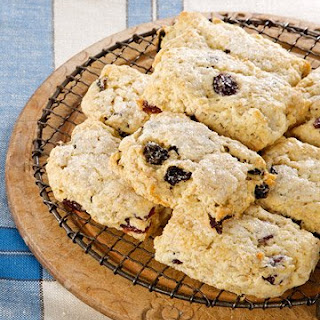 Oatmeal and Dried-Cherry Biscuit Scones.