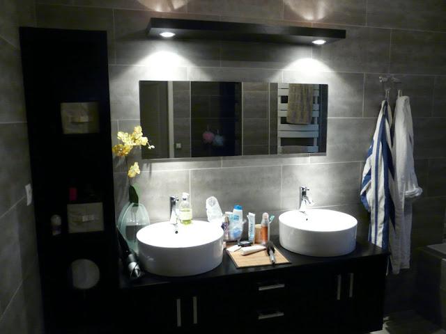 poser lambris pvc plafond salle de bain prix travaux. Black Bedroom Furniture Sets. Home Design Ideas
