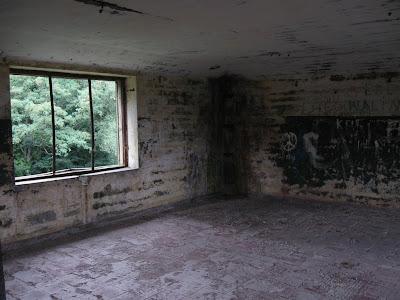 Fort Zachodni - wnętrze schronu dowodzenia