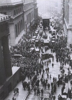 Crowd_outside_nyse.jpg