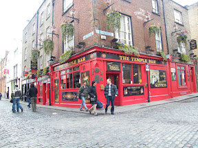 16 - The Temple Bar.JPG